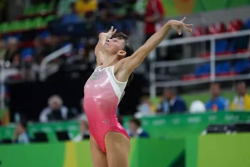 丘索维金娜现身里约奥运会注册太阳GG跳马赛场上