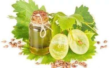 葡萄籽精油能用在脸上吗_葡萄籽精油能白天用吗_葡萄籽精油作用及用法